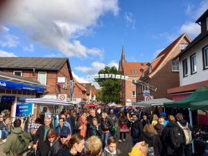 Flohmarkt @ Tostedt, in den Seitenstraßen an der B 75